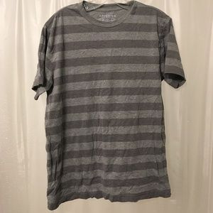 🍃SALE🍃 Two-Tone Gray Striped Short Sleeve Tee
